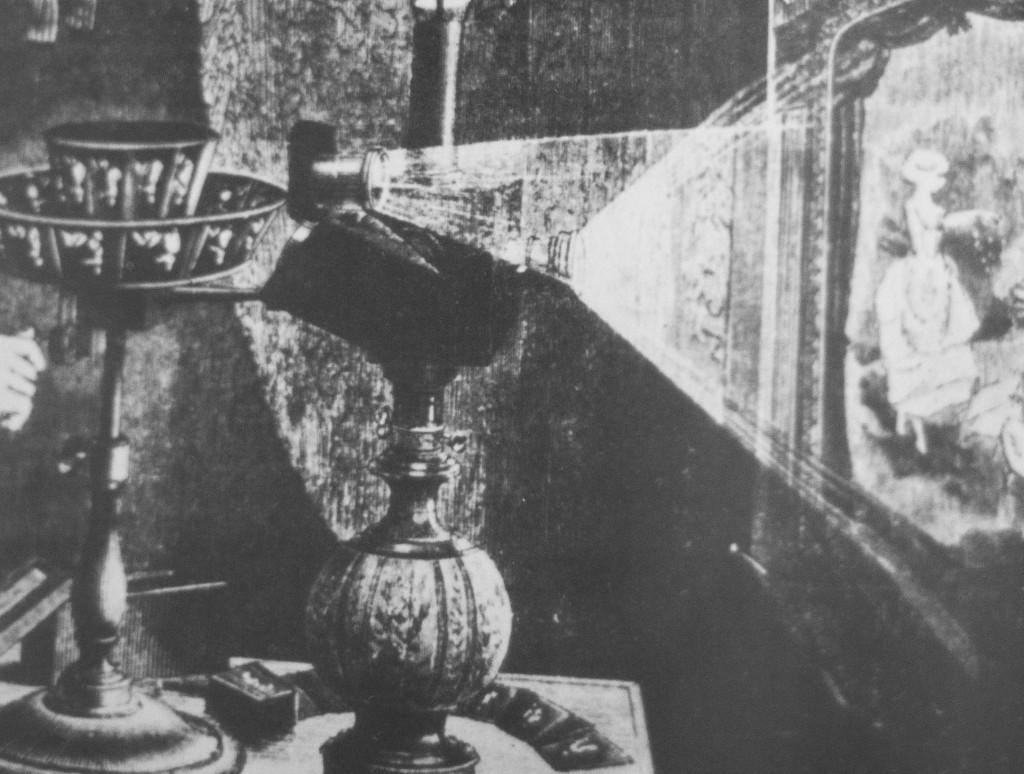 Proiettore del 1882 di pellicole disegnate, funzionante a petrolio